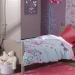 ambiance chambre fille gris et rouge