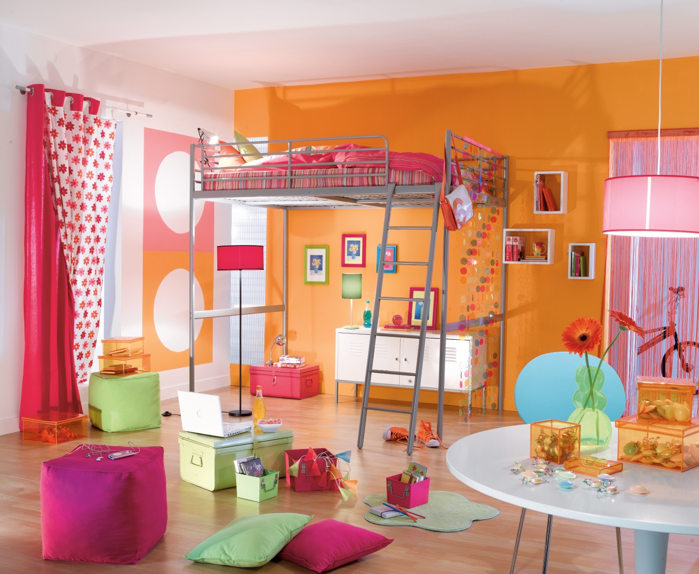 D co chambre fille orange for Decoration chambre fille