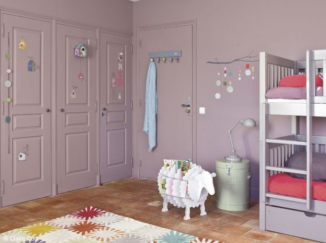 chambre fille mauve et gris avec des id es. Black Bedroom Furniture Sets. Home Design Ideas