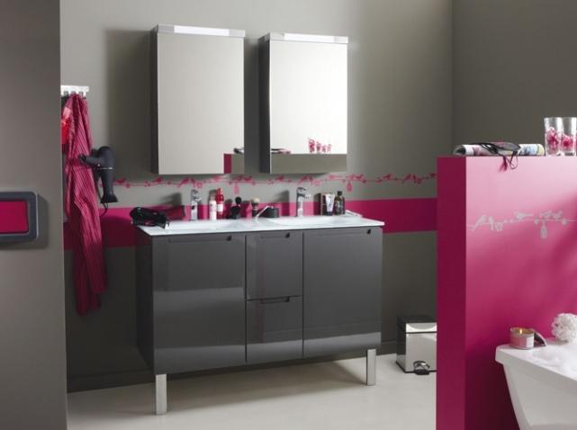 Guide d coration salle de bain gris et violet for Salle de bain grise et beige