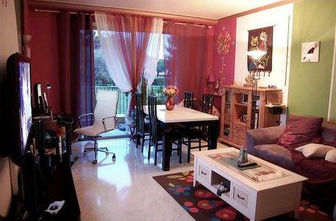 d co salon rose. Black Bedroom Furniture Sets. Home Design Ideas