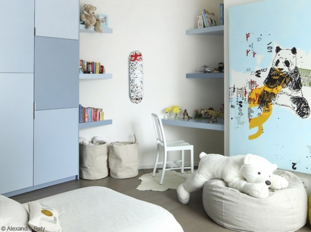 Idee chambre fille bleu for Pochoir chambre fille