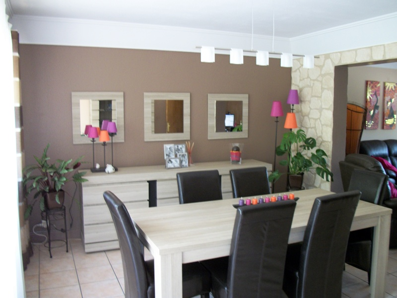 Guide id e d co salle manger gris et violet for Idee deco salle a manger