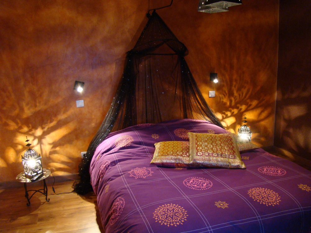 Quelle ambiance chambre b b orientale for Ambiance chambre bebe