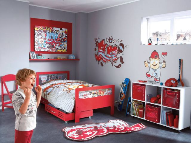 mod le ambiance chambre gar on rouge. Black Bedroom Furniture Sets. Home Design Ideas