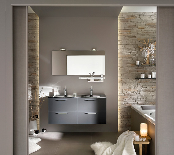 ambiance salle de bain gris et blanc. Black Bedroom Furniture Sets. Home Design Ideas