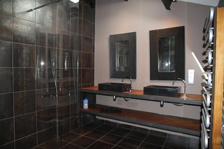 jolie d coration salle de bain industriel. Black Bedroom Furniture Sets. Home Design Ideas