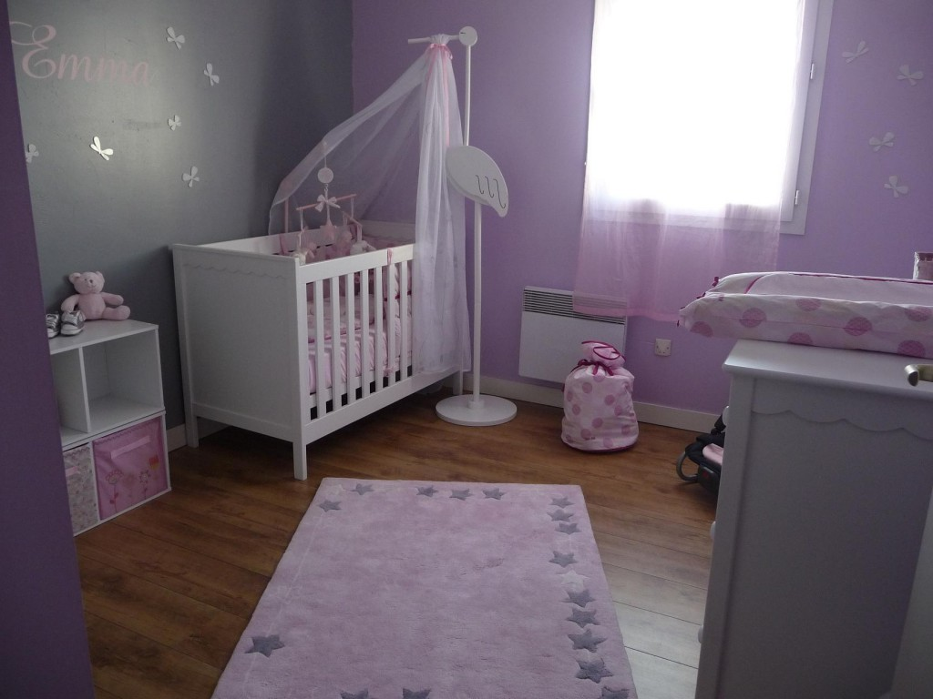 idée déco chambre garçon violet