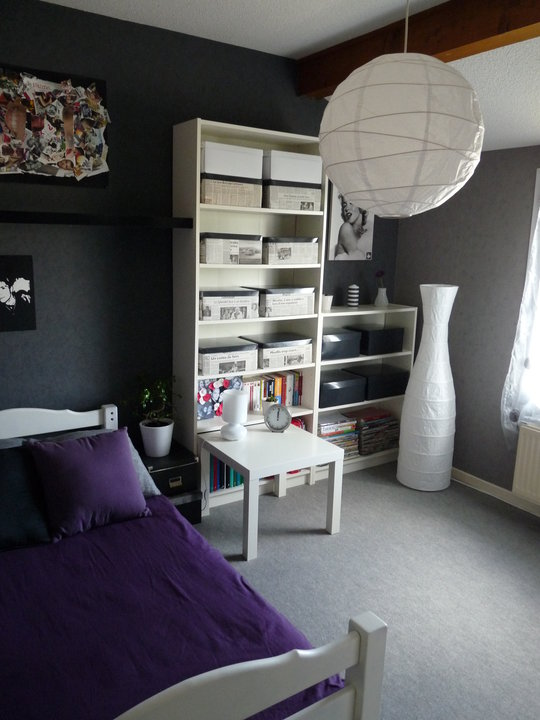 nouvelle ambiance chambre gris et violet. Black Bedroom Furniture Sets. Home Design Ideas
