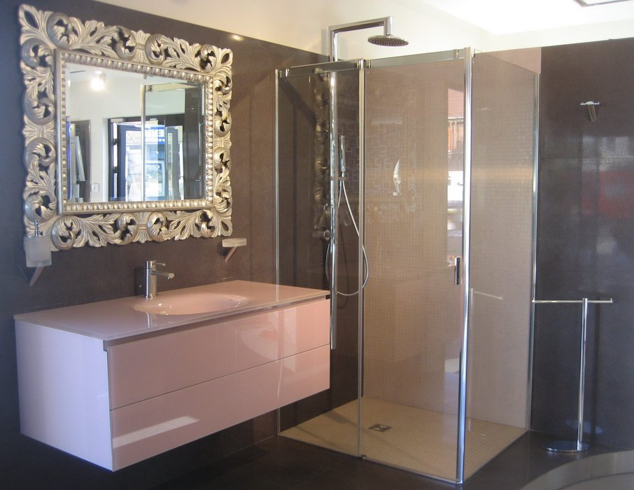 jolie décoration salle de bain marron