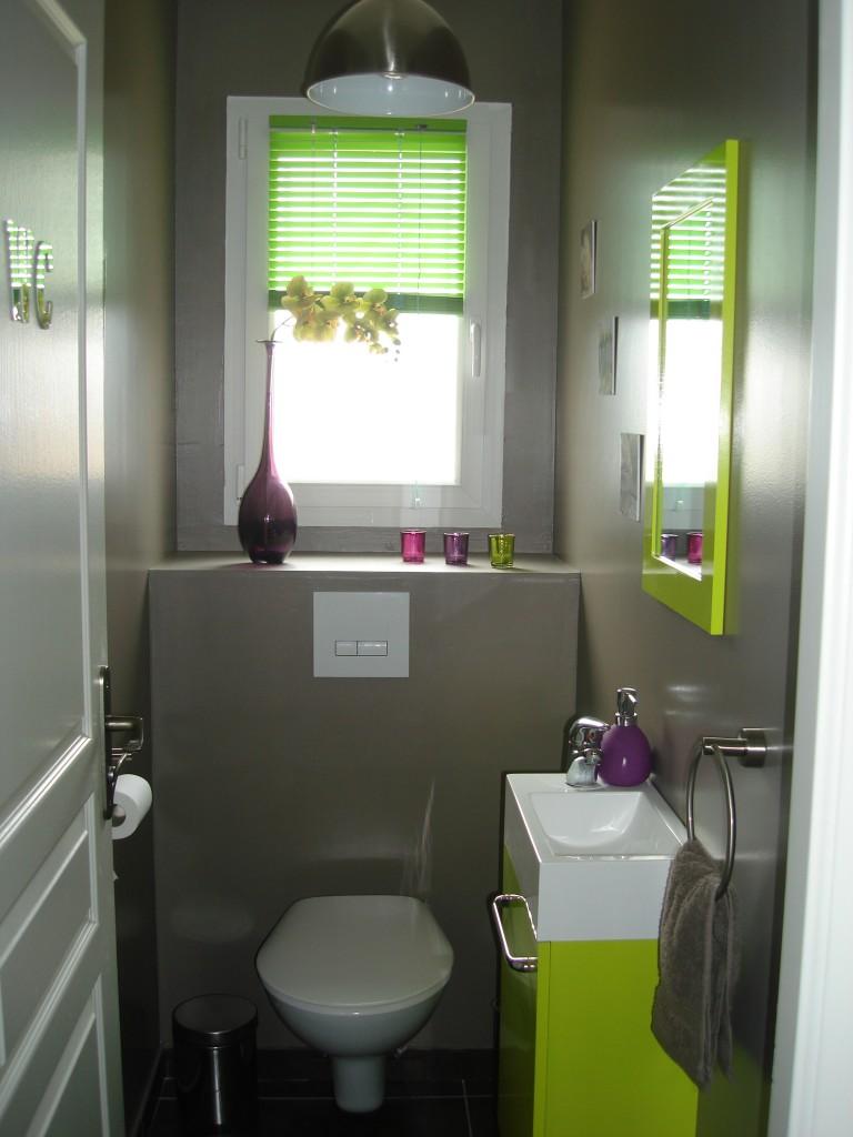 mod le d coration wc toilettes prune. Black Bedroom Furniture Sets. Home Design Ideas