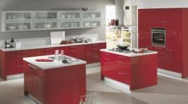 idée déco cuisine gris et rouge