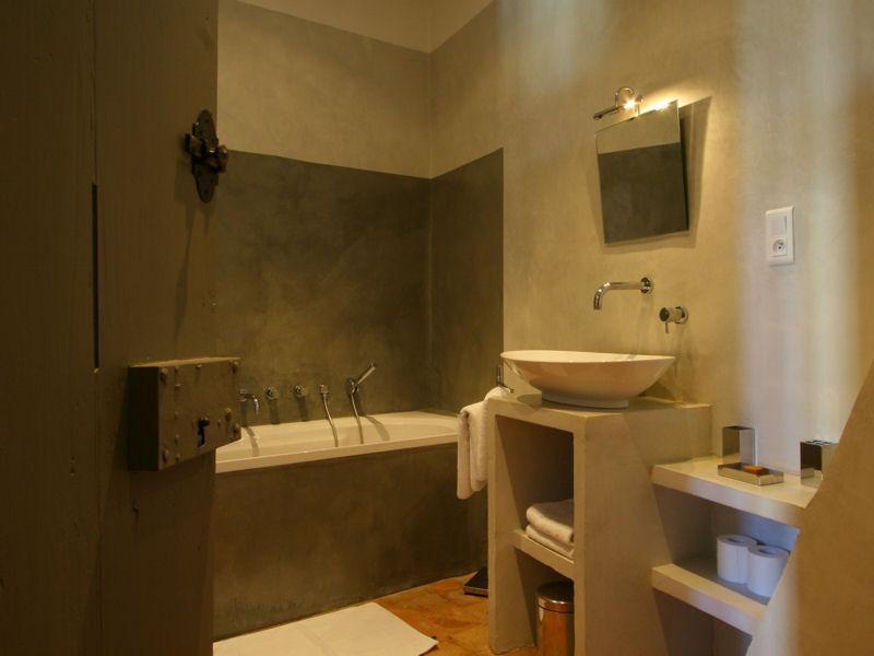 Mod le id e d co salle de bain taupe - Modele peinture salle de bain ...