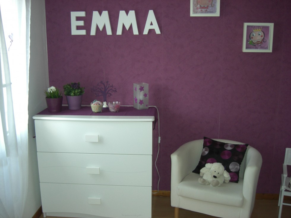 nouvelle d co chambre b b gris et violet. Black Bedroom Furniture Sets. Home Design Ideas