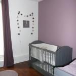 déco chambre bébé gris et violet