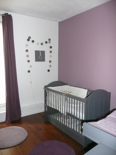 d co chambre b b gris et violet. Black Bedroom Furniture Sets. Home Design Ideas