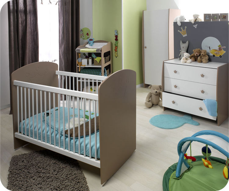 Photo d co chambre fille taupe for Chambre fille taupe