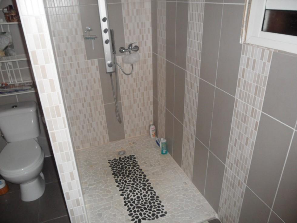 Inspiration id e d co salle de bain gris et blanc for Inspiration salle de bain