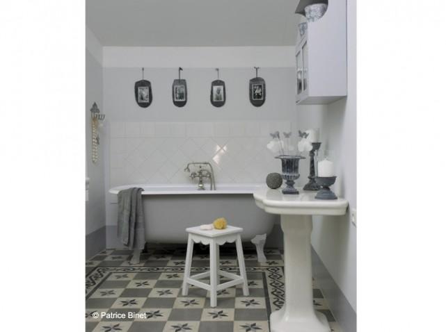 Photo Idee Deco Salle De Bain Gris Et Blanc