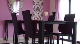 décoration salle à manger violet