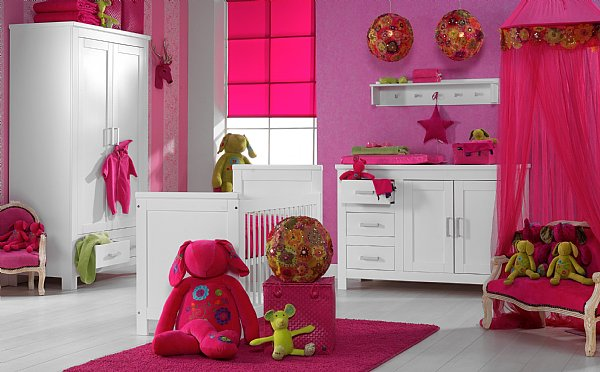 Style id e d co chambre b b moderne for Idee chambre bebe mansardee