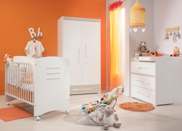 Chambre fille orange design de maison for Modele deco chambre fille