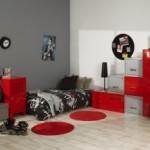 ambiance chambre garçon gris et rouge