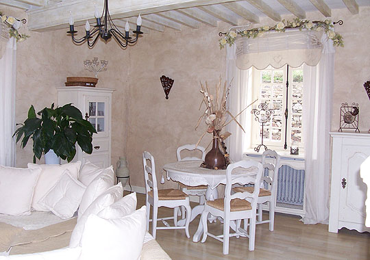Nouvelle d co salle manger blanc for Deco salle a manger blanc